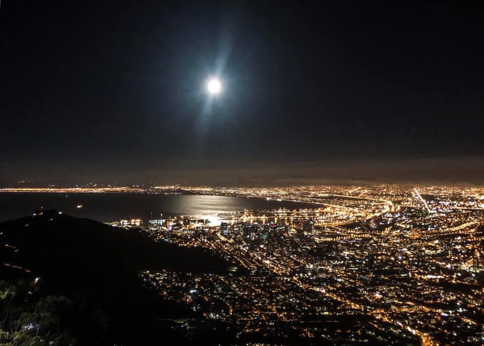 full moon hike bloggerisnpo